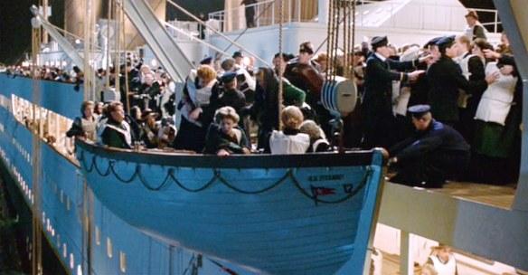 Titanic_2035Pyxurz
